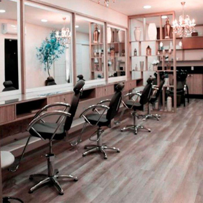 salón de belleza con sillas lille