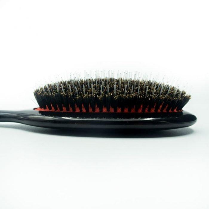 detalle de cerdas del cepillo ovalado